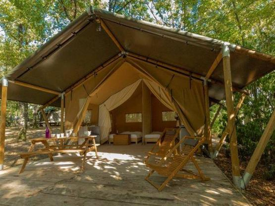 Tent safari saadani m² slaapkamers terras elektriciteit